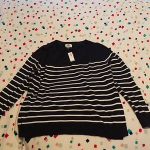Large old navy sweater